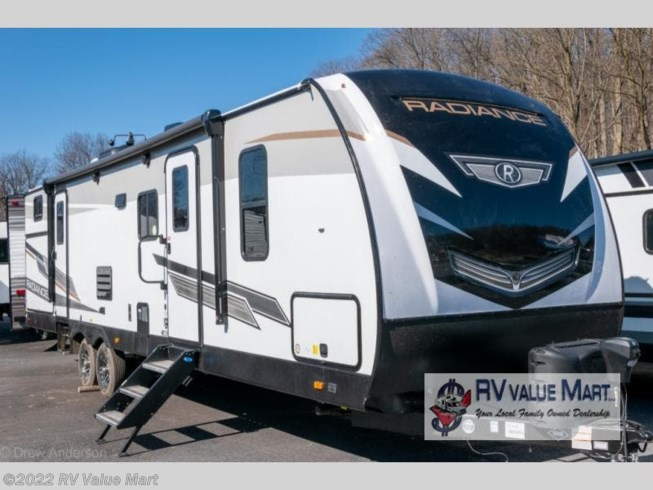 New 2021 Cruiser RV Radiance Ultra Lite 30DS available in Manheim, Pennsylvania