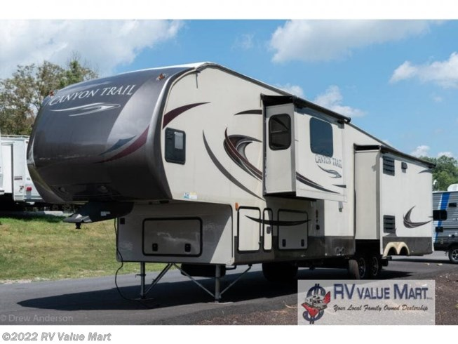 2015 Canyon Trail 36FBQS by Gulf Stream from RV Value Mart in Manheim, Pennsylvania