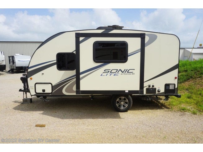 Used 2017 Venture RV Sonic Lite SL167VMS available in Bourbon, Missouri