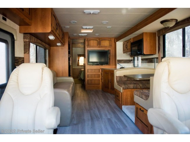 2011 Mirada 29DS by Coachmen from Private Seller in Orange, Connecticut
