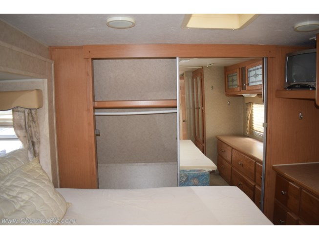 Used 2006 Dutchmen North Shore 35BHBS available in Joppa, Maryland