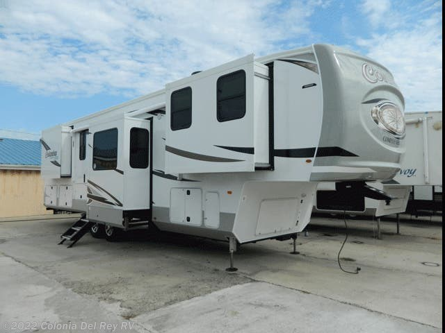New 2021 Palomino Columbus Compass 388FKC available in Corpus Christi, Texas