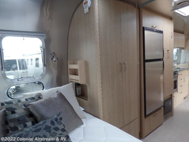 2019 Airstream Rv Flying Cloud 26rbq Queen For Sale In