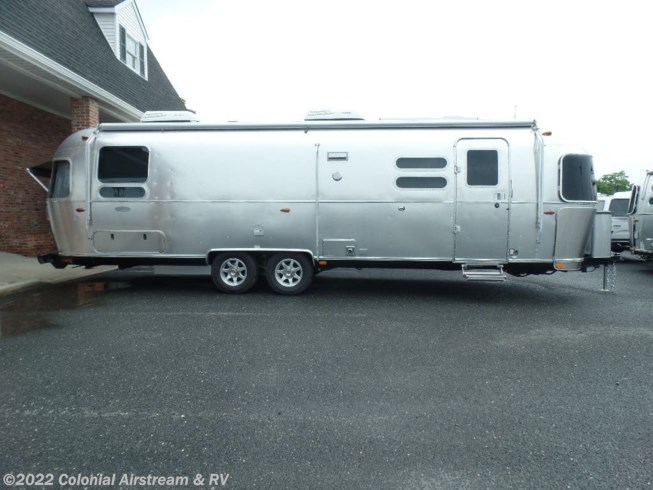 2019 Flying Cloud 30RBT Twin by Airstream from Colonial Airstream & RV in Millstone Township, New Jersey