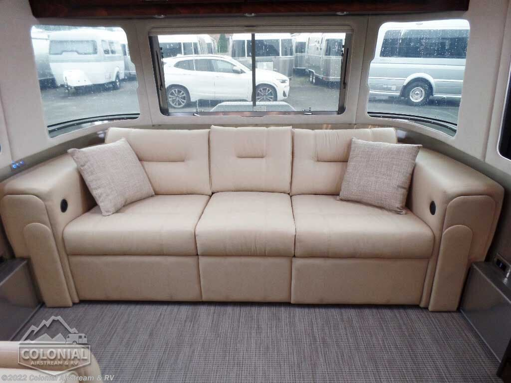 Fine 2020 Airstream Rv Classic 30Rbq Queen For Sale In Lakewood Creativecarmelina Interior Chair Design Creativecarmelinacom