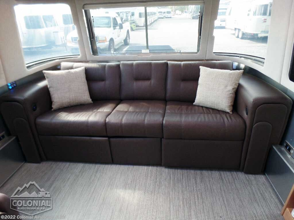Tremendous 2020 Airstream Rv Classic 30Rbq Queen For Sale In Lakewood Creativecarmelina Interior Chair Design Creativecarmelinacom