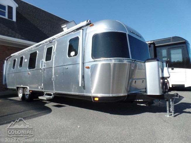New 2020 Airstream Classic 33FBQ Queen available in Millstone Township, New Jersey