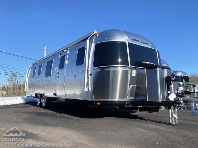 New 2021 Airstream Classic 33FBQ Queen available in Millstone Township, New Jersey