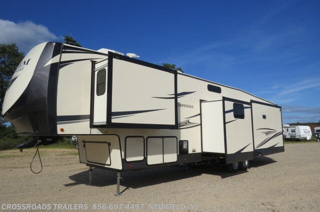 2020 Salem Hemisphere GLX 369BL by Forest River from Crossroads Trailer Sales, Inc. in Newfield, New Jersey